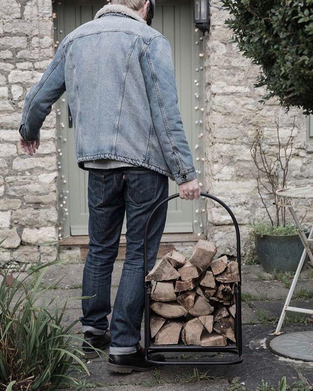 Baby it's cold outside. Needs more denim. • Denim by @levis • Photo by @paulosbornephotography • • •  #winter #battendownthehatches #layerup #doubledenim #shearlingjacket #jeanjacket #levis #501s #wintercoat #lumberjack #woodchopping #madeinengla… http://bit.ly/2Cbm4Rr