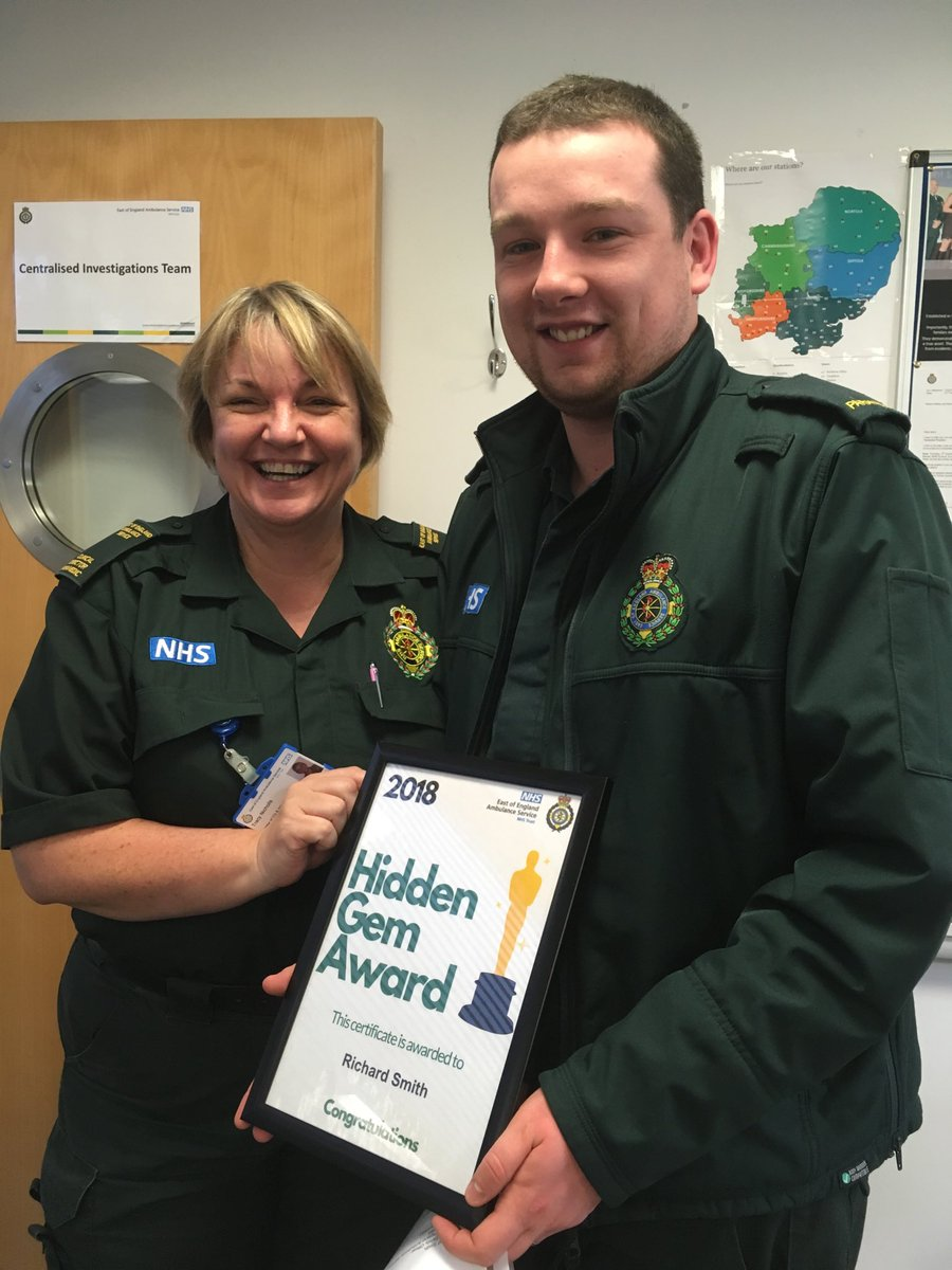 Delighted to be presenting @richardsmith09 from @EEAST_Safety @EastEnglandAmb with a #hiddengem for his work on #learningfromincidents #WeAreEEAST