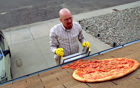 """""""How much for the pizza?""""  Walter White- """"It's on the house."""" https://t.co/LOiyngFv21"""