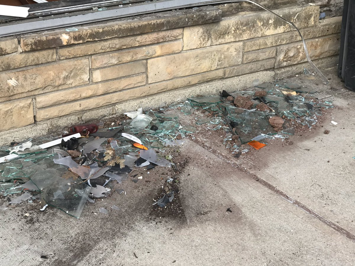 Nico Haeflinger on Twitter  Cleanup underway at Manzellau0027s Italian Patio after a car crashed into the building this morning @foxillinoisu2026   & Nico Haeflinger on Twitter: