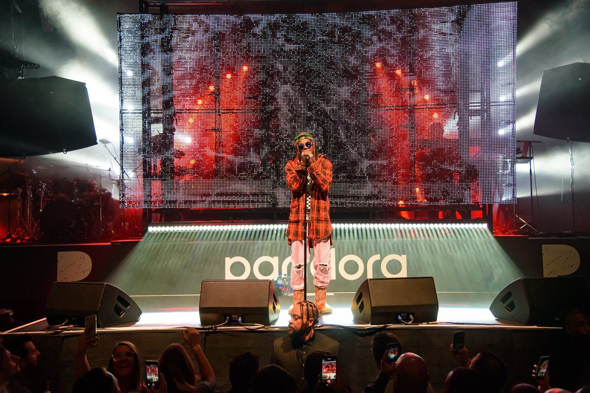 Last night, we brought @LilTunechi to Las Vegas for an epic performance at @CES! #PandoraCES #PandoraLive
