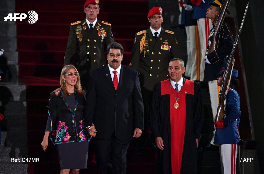 #ÚLTIMAHORA La OEA aprueba resolución que declara ilegítimo gobierno de Venezuela #AFP