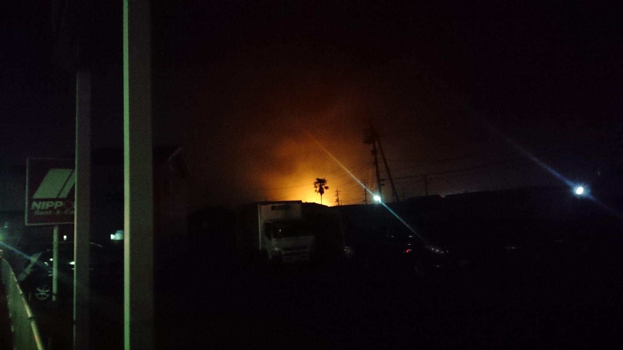 画像,夕焼けならぬジョイフル焼け山火事みたいやな https://t.co/kTw3eWDBub。