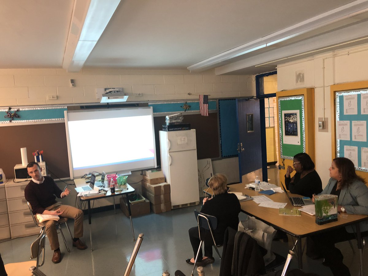 "During the monthly professional learning session school leaders engaged in a share fair. Principal Panetta of River East presented ""How a Teacher Team can Tackle a Problem of Practice."" #ChampionsforChildren #SparkingImagination4Innovation https://t.co/NWE8VylL9w"