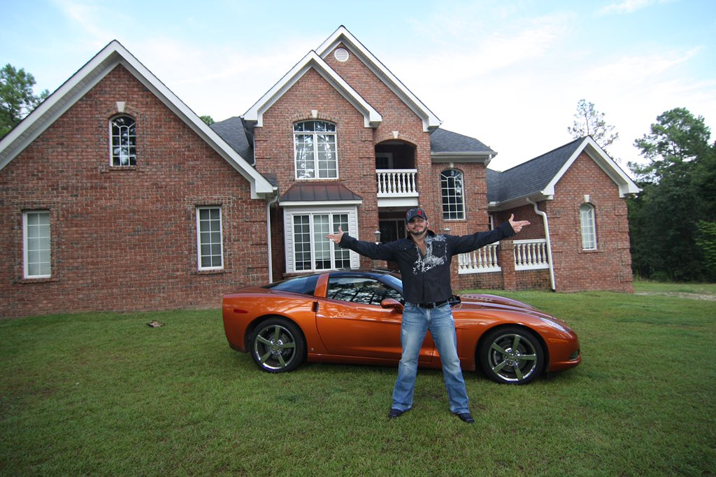 "Twitter पर MATT HARDY: ""#TBT 2008 Before the evolution of my house into a home & before my Corvette morphed into an Escalade for my family.… """