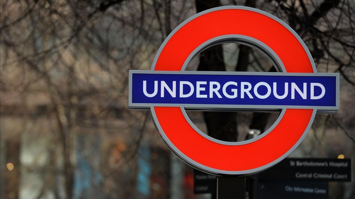 On January 10th, 1863 was open the London Subway as the first underground transport system in the world #thetube 275 stations and 3 millions users every day #ThursdayThoughts @TfL @transportgovuk #transport #londonsubway #ukfacts #TransportisGreat