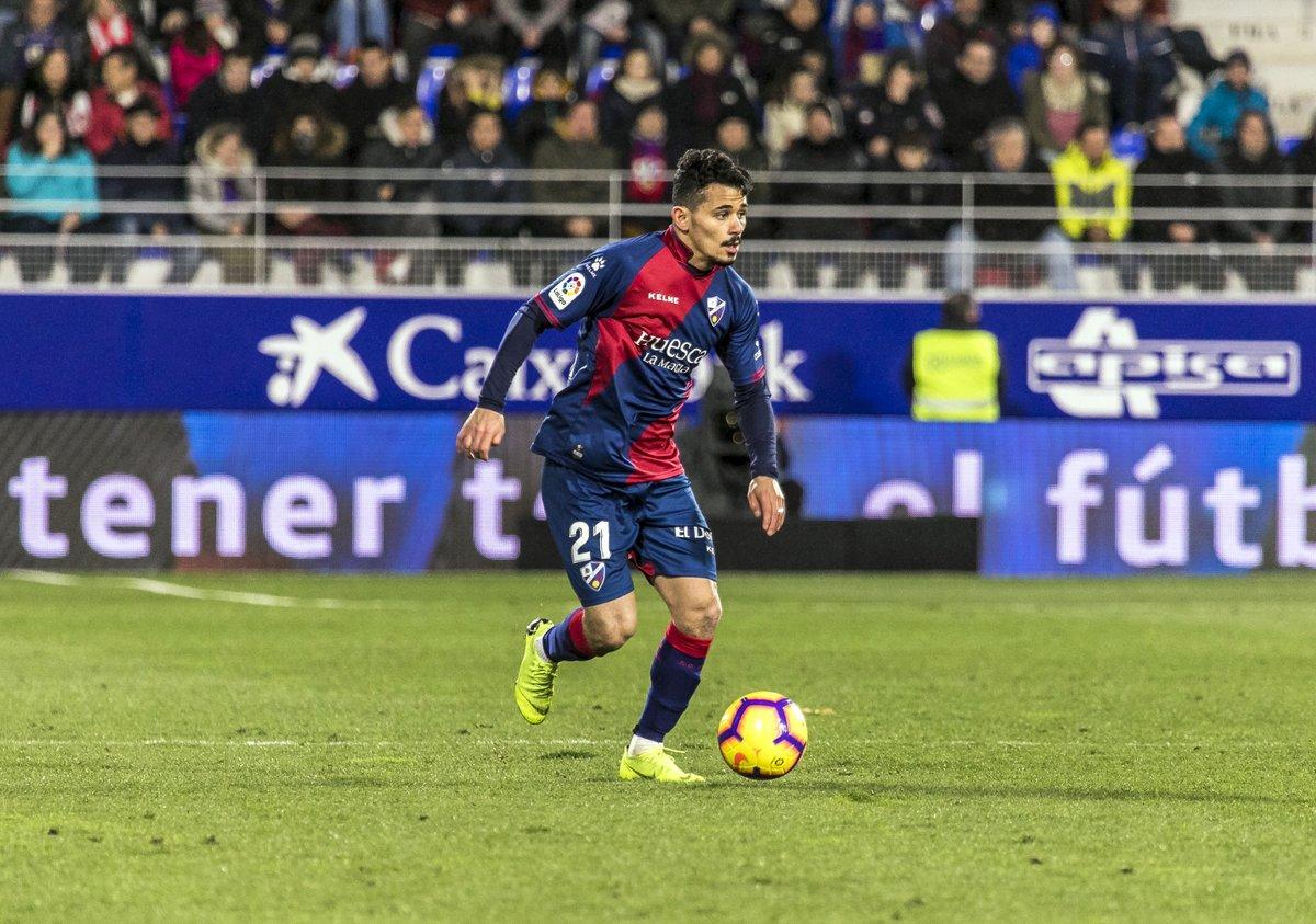 Serdar Gurler, durante un encuentro con el Huesca.