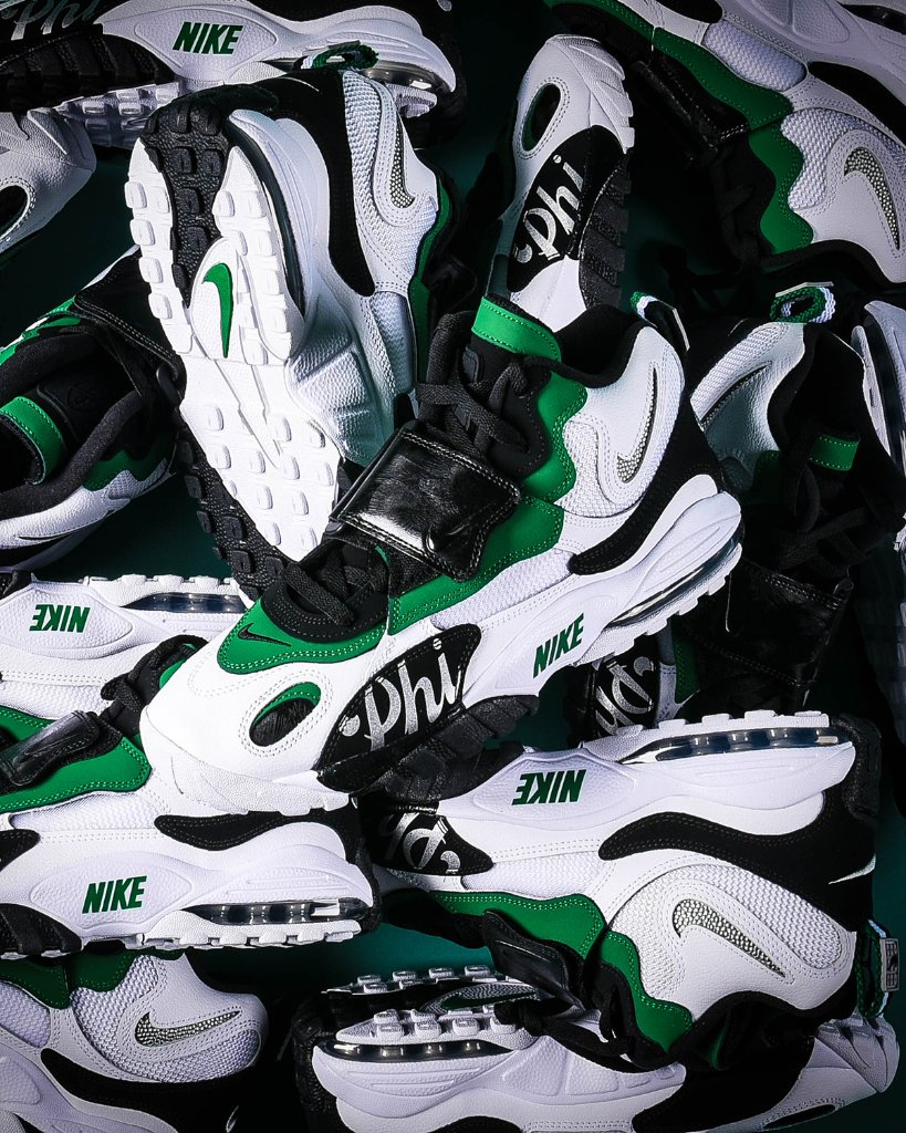 bb3a6ed090b #BleedGreen in Philadelphia right before the big game. #Nike Air Max Speed  Turf Away #Philly Launching 1/11, Select Stores and Onlinepic.twitter.com/  ...