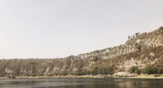 Cráter Volcánico • 🏞💚🙌 #throwbackthursday #perfect #day #landscape #nofilter #procamapp #nature #natureaddict #water #bestoftheday #exploretheworld http://bit.ly/2RCvBuA