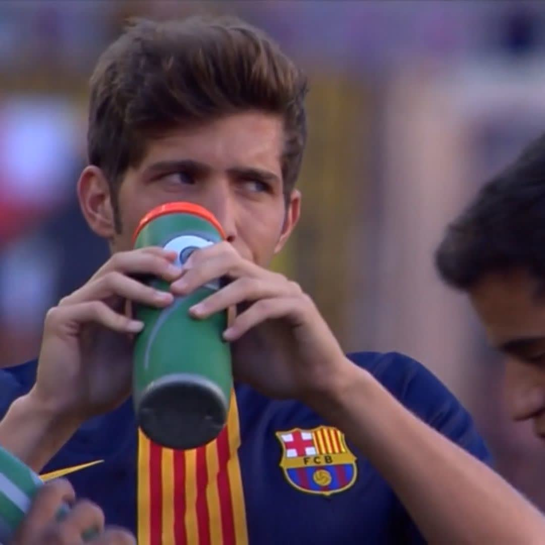�� Half-time substitution �� Sergi Roberto �� Miranda https://t.co/X7hRYIhof5