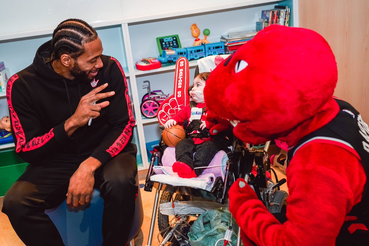 Visiting the real superstars today at our annual @SickKidsNews stop!   #ThisIsWhyWePlay | #WeTheNorth <br>http://pic.twitter.com/VDAxqwpiE9