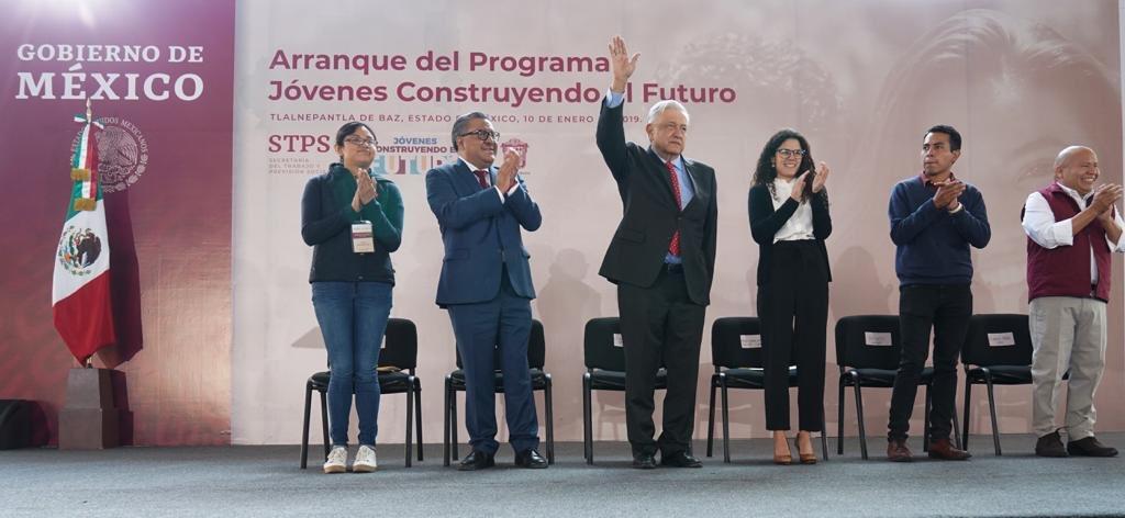 Andrés Manuel's photo on jóvenes construyendo