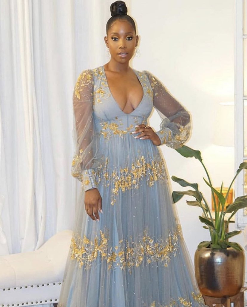 Let's talk about this look on Ashley Blaine from the 2019 #GoldenGlobes   <br>http://pic.twitter.com/ShaZ8ofunc
