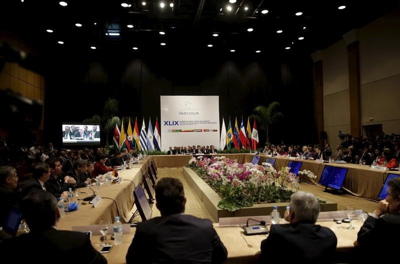 RT @DolarToday: ¡RÉGIMEN DE FACTO! Parlamento del Mercosur desconoce ilegítima reelección de Maduro -► https://t.co/FOanuOz4Ko https://t.co…
