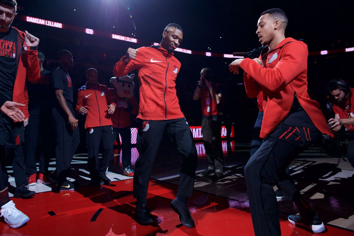 Heck yes! @CJMcCollum's flippin' sweet dance moves are now Facebook-approved 💃😎  READ ----> https://t.co/OgKuDXTk2q