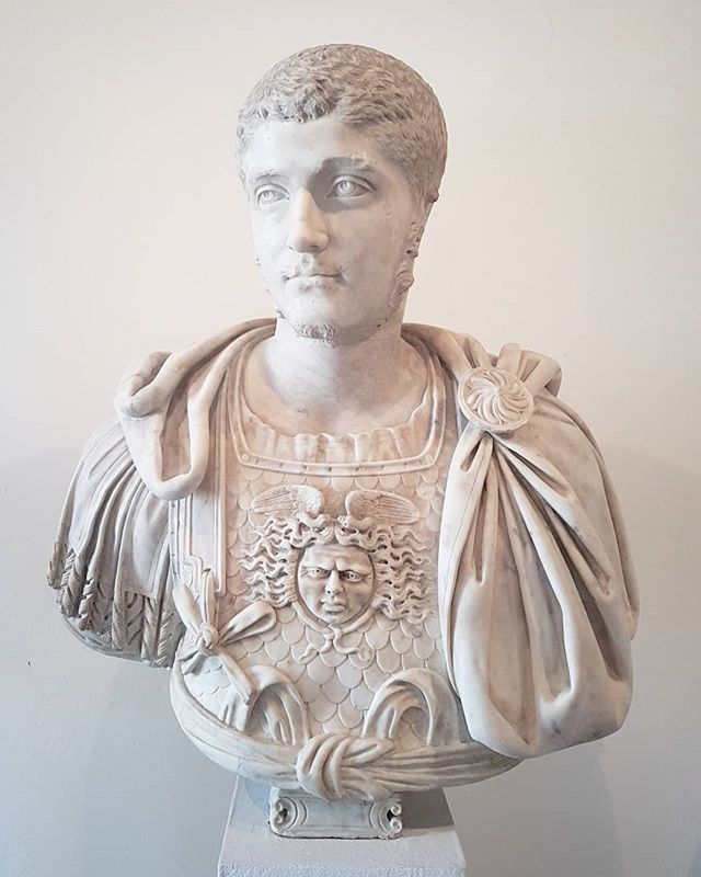 #MaleBust #sculpture #antiquity @visitmuve #Venice #marble https://t.co/gWy76tPo84