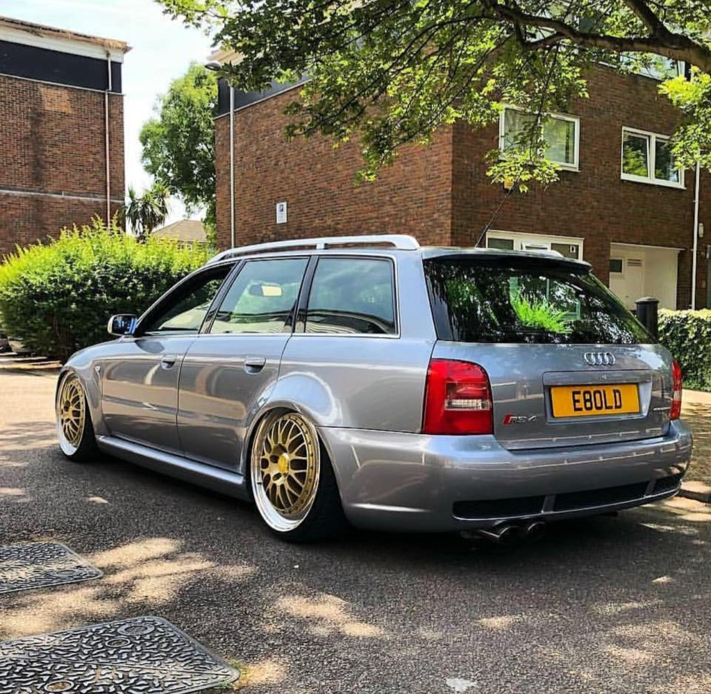 B5RS4 - Twitter Search
