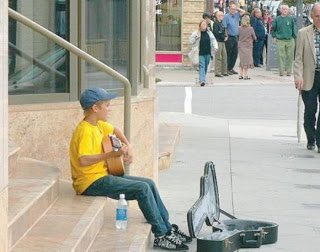 Justin Bieber began with his guitar on the Avon Theater and he became one of the biggest artist of my generation. I'm beyond proud of the man he is. I can't believe it's been 10 years I stan him, I'm so old! I'll always love him. #10YearsOfBieber <br>http://pic.twitter.com/0W9ZcQB8xW