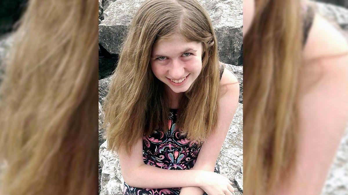 BREAKING: Jayme Closs, Wisconsin teen missing since October, found alive months after parents discovered fatally shot, authorities say:  http:// nbcchi.com/nu66jYq  &nbsp;  <br>http://pic.twitter.com/yxSO67jTkH