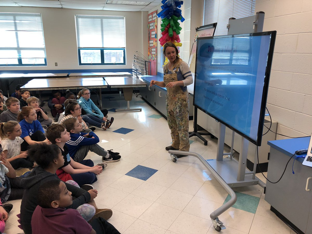 Mural presentation for 5th grade legacy project with <a target='_blank' href='http://twitter.com/JennyBmurals'>@JennyBmurals</a> <a target='_blank' href='http://twitter.com/longbranch_es'>@longbranch_es</a> <a target='_blank' href='http://twitter.com/APSArts'>@APSArts</a> students are so excited to learn about murals and get to work! <a target='_blank' href='http://search.twitter.com/search?q=APSArtsGreat'><a target='_blank' href='https://twitter.com/hashtag/APSArtsGreat?src=hash'>#APSArtsGreat</a></a> <a target='_blank' href='https://t.co/3lMs8lecAX'>https://t.co/3lMs8lecAX</a>