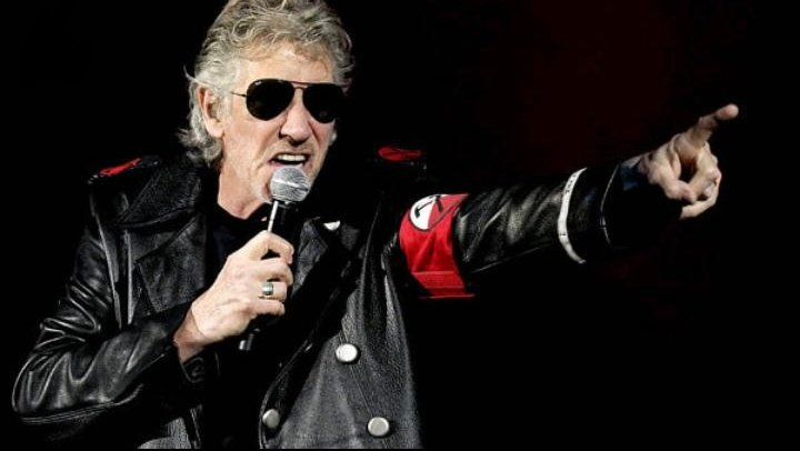 just a rocket queen viu o roger waters's photo on Roger Waters