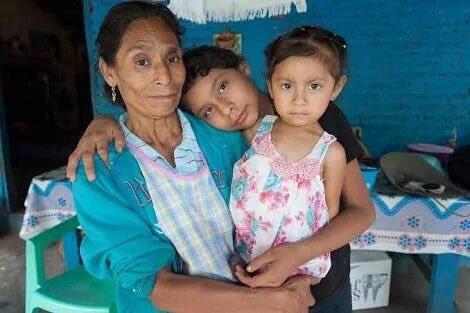 Sin haber dejado de luchar ni un día por sus hijos (Everardo y Julio César) y por sus 42 compañeros normalistas de Ayotzinapa, murieron doña Minerva Bello y don Tomás Ramírez ContraLaImpunidad PazVerdadJusticia ContraLaDesestabilizacion #YoApoyoLaLuchaVsHuachicol Photo