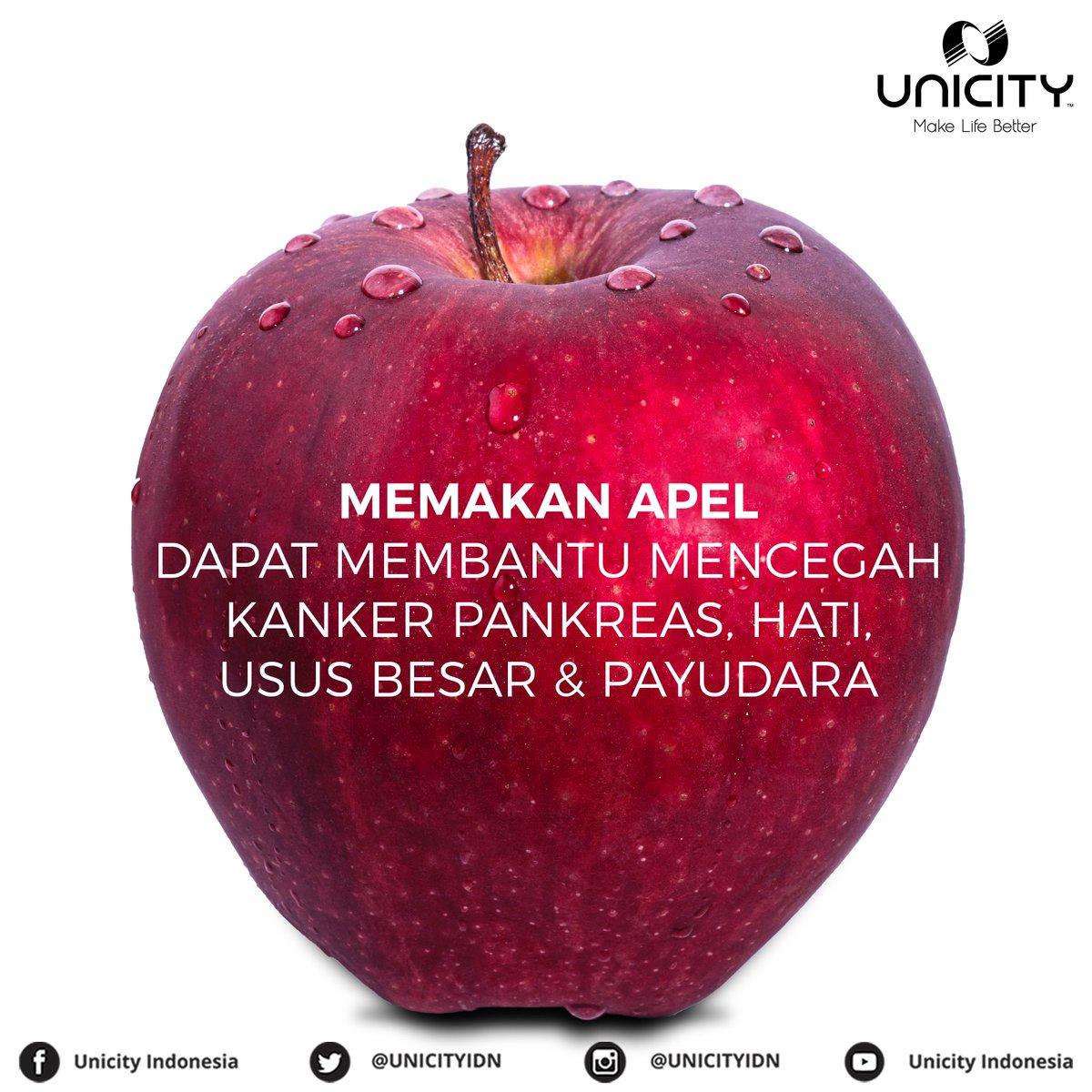 "Pasti sudah sering denger ""an apple a day keep the doctor away?"" Kulit Apel mengandung triterpenoids yang dapat memicu maspin, senyawa protein yang dapat menekan pertumbuhan kanker.  #manfaatbuah #apel #manfaatapel #apple #healthyfood #buah #fruits #healthyfruits #Cancer"