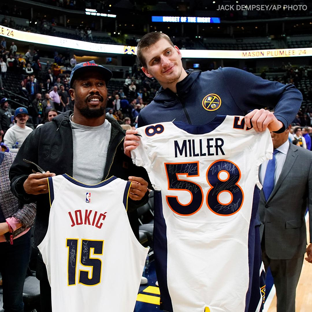 Two of Denver's finest ✊ https://t.co/IJIDoernZj
