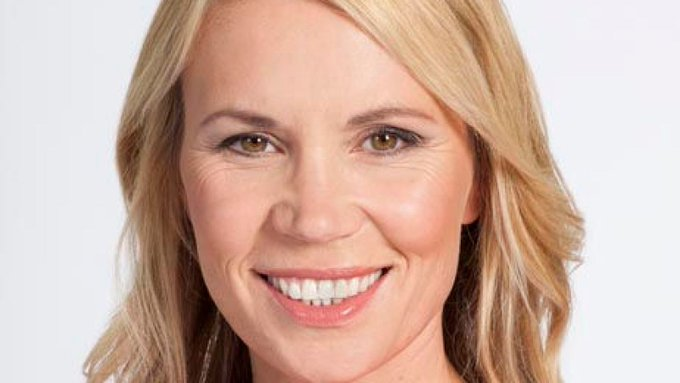 TV and radio presenter Dianne Oxberry dies aged 51 #sky #news Photo