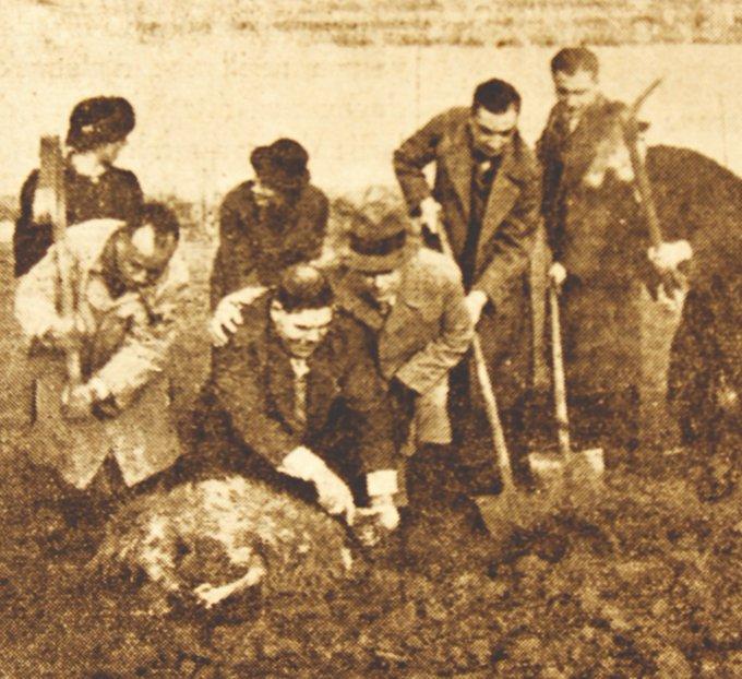 Temel kazığını, günümüzde adına kupa yarışları yapılan ünlü atlet Mavro Besim (Atalay) çakmıştı. Arazideki ilk inşaat faaliyetin ise 1936 yılında başlamıştı. #AliSamiYenSonsuzaKadar Photo