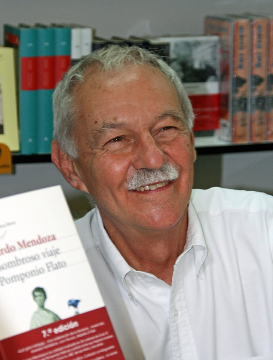 UCLM's photo on eduardo mendoza