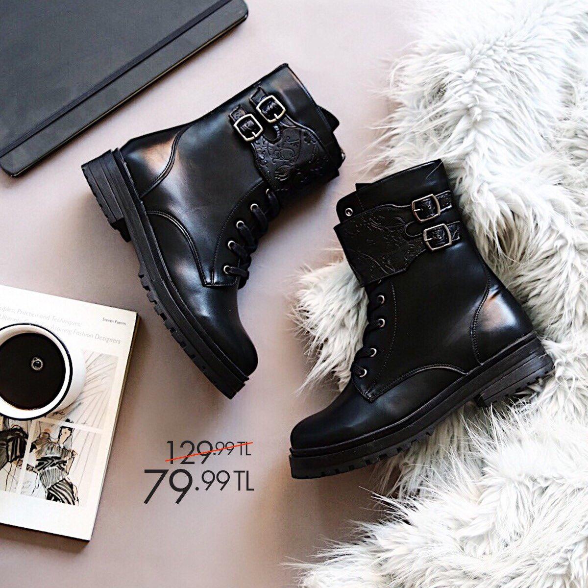 Askeri botlarınızı ekose elbiselerinizle kombinleyerek yeni yılda tarzınızı baştan yaratın. Siyah Kadın Askeri Bot 36-40 Numara 79,99 TL 🔎 100335821 http://bit.ly/2M6G3Fe