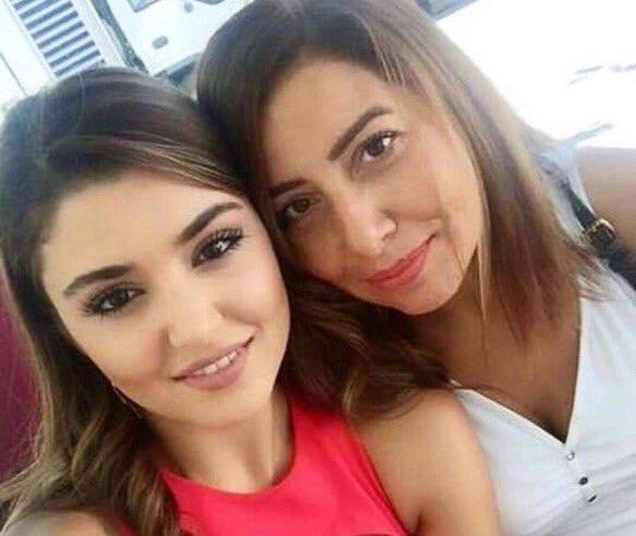 I'm so sad  sending prayers to Hande and all the family  #HandeErçel <br>http://pic.twitter.com/wR5r9hQVko