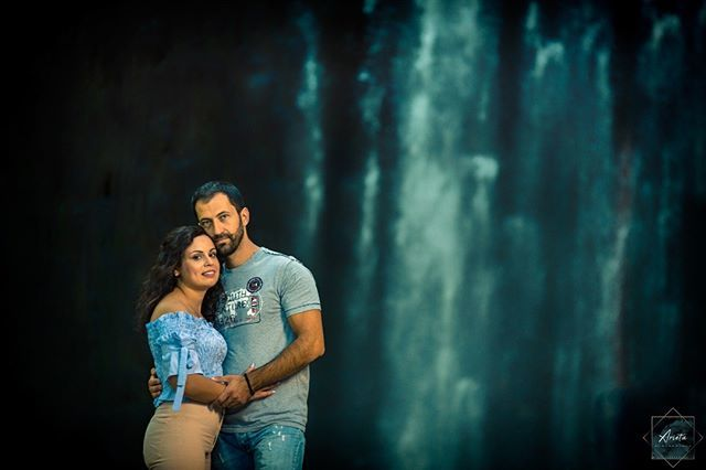 """""""Two lovers become one"""" . . . #portraitphotography  #loveposts  #lovepictures  #lovephotography  #couple  #magiclens  #mypassion  #photoshoot  #photooftheday  #picoftheday  #arieta_photography http://bit.ly/2FsfN6X"""