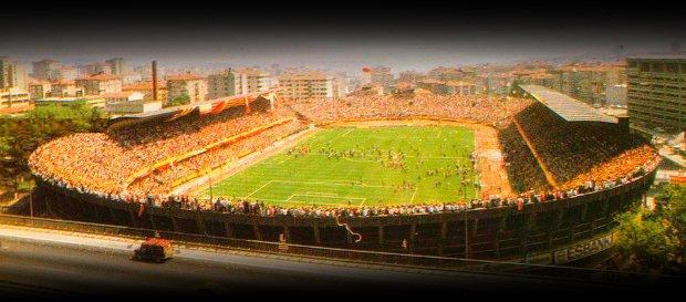 Takvimler 7 Haziran 1987'yi gösteriyordu. Sen Şampiyon Olacaksın diye seslendik dü Tam 14 yıllık hasreti sonlandırdık. #AliSamiYenSonsuzaKadar Photo
