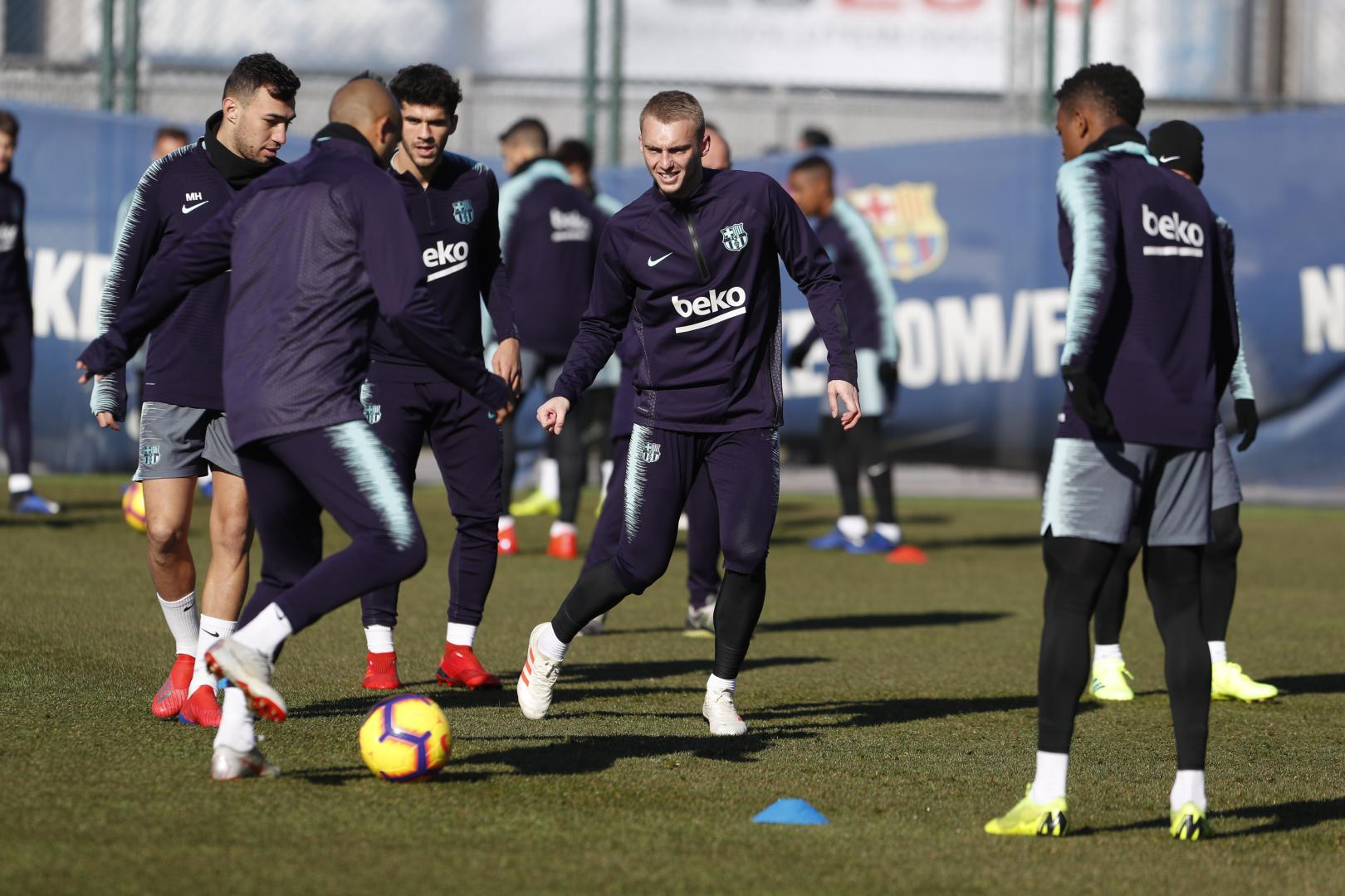 ��⚽ Getting down to business! ���� #ForçaBarça https://t.co/uwrp9xl68D