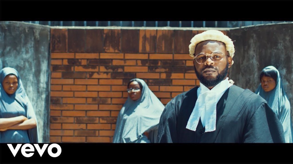 """Get your self a lawyer like FALz, Fela of our time  """"He Dragged APC,   He Dragged PDP,   He Dragged Muric,   He Dragged Buhari,  He Dragged politicians,  He Dragged fraudsters,  He Dragged runs girls,  He Dragged everybody""""  He #Talk him mind<br>http://pic.twitter.com/ZII1ewiEPk"""