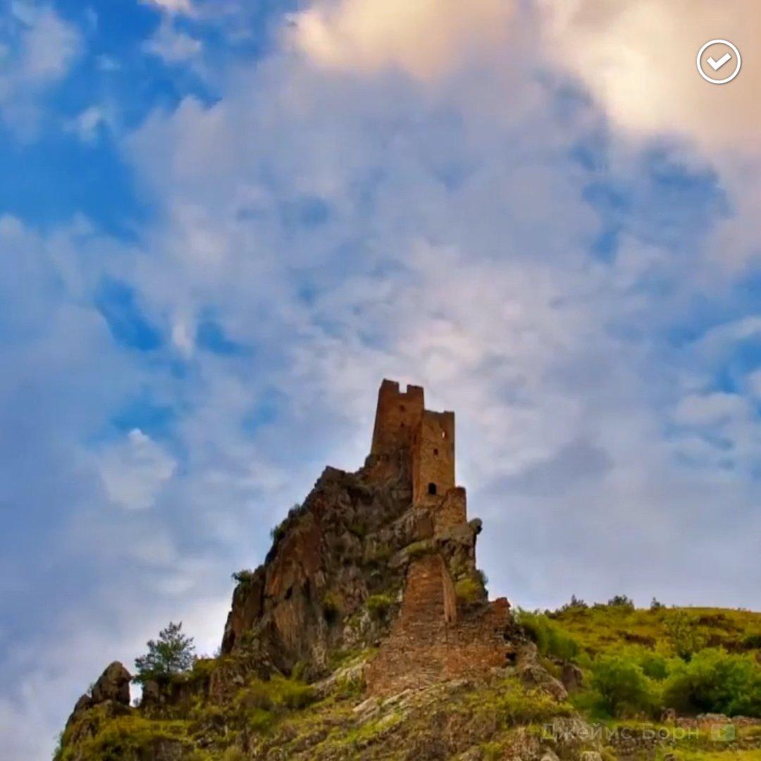 RT @therusfed: Неприступная древняя крепость в Ингушетии стала финалистом проекта «Семь чудес России» https://t.co/kuCzdX01nv
