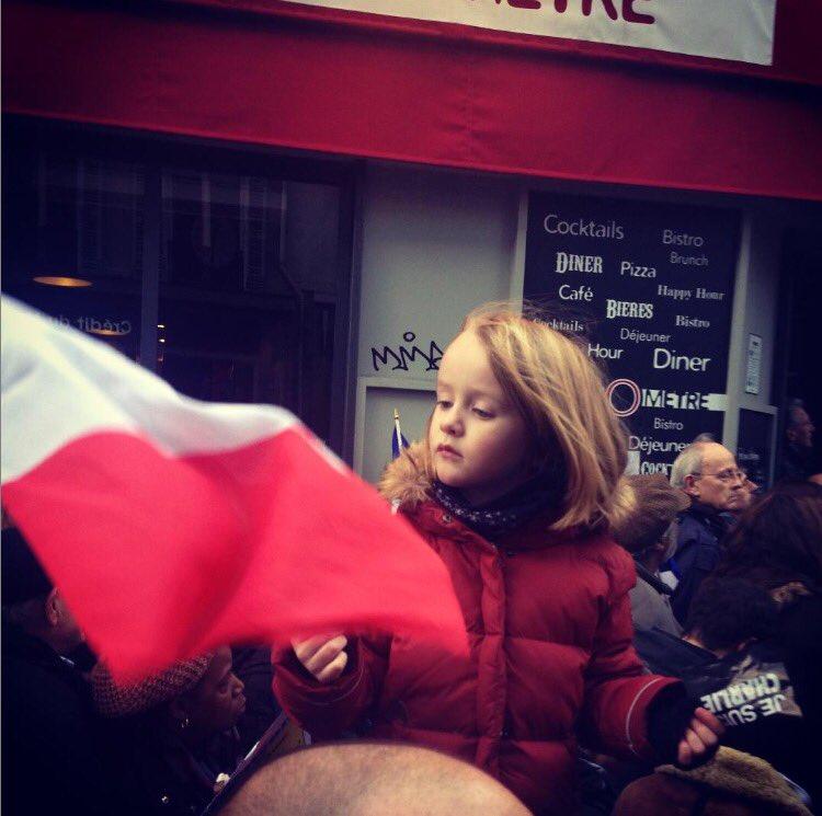 Hélène Fontanaud 🐝🌹's photo on #11janvier2015