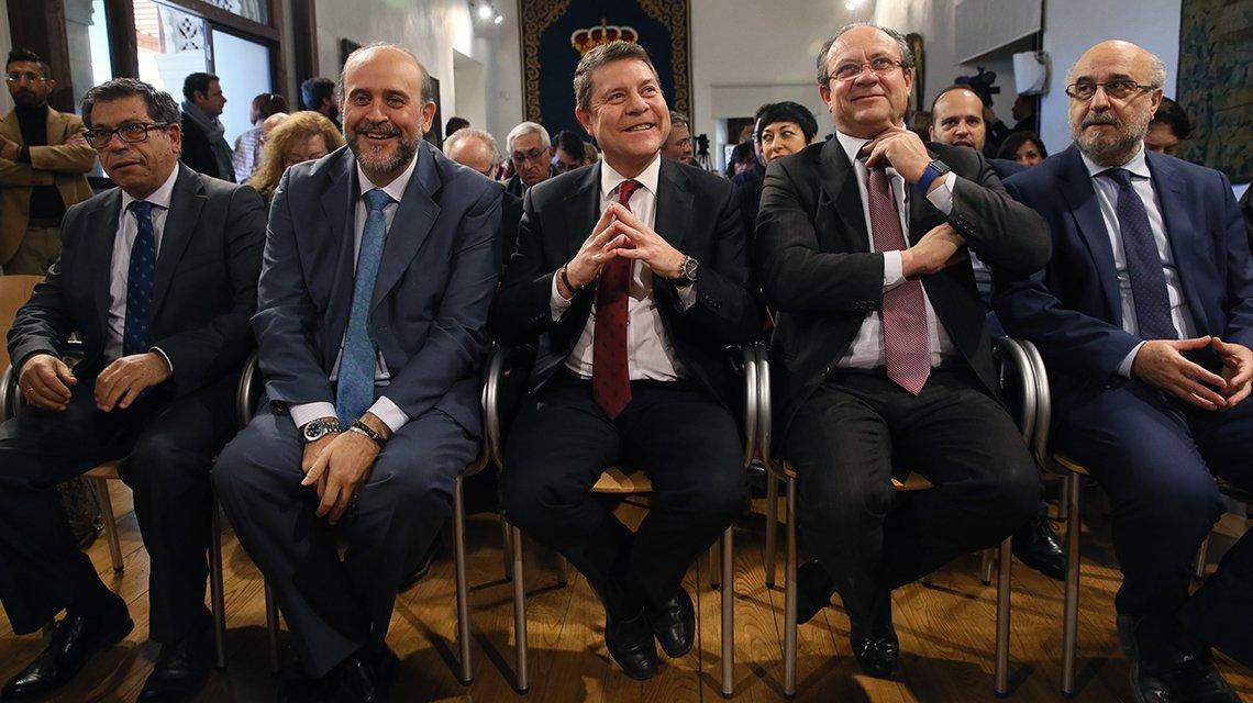 periodicoclm.es's photo on PP con Cs y Vox