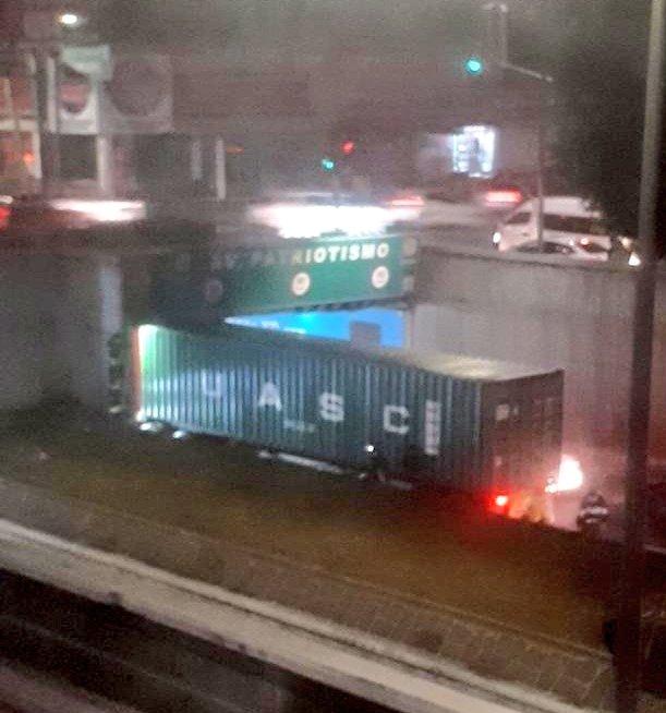 Alertas Urbanas AU ⚠�'s photo on Viaducto