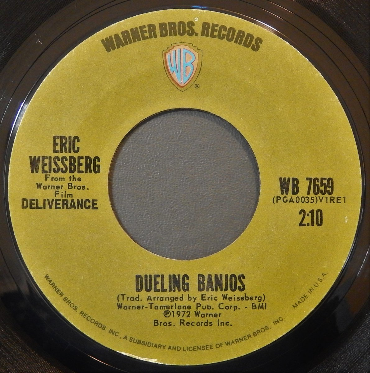 Currently Spinning:  Eric Weissberg &quot;Dueling Banjos&quot; on Warner Bros. Records. <br>http://pic.twitter.com/pJVcY4SAv1