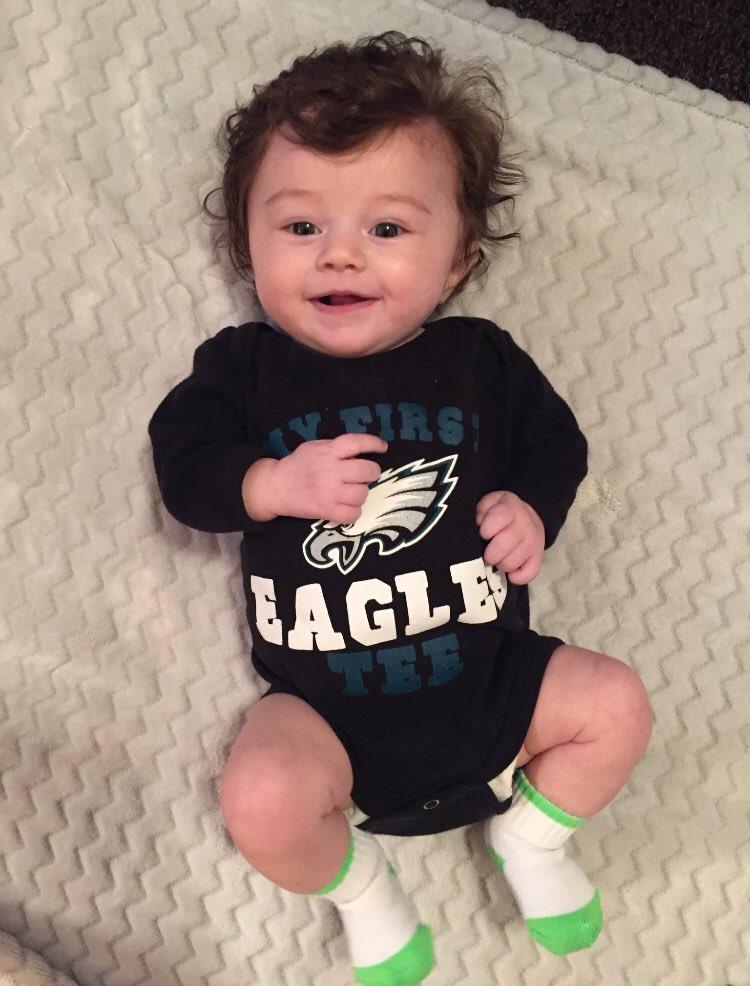 #fox29goodday future Eagles cheerleader <br>http://pic.twitter.com/TJfujmRs9U