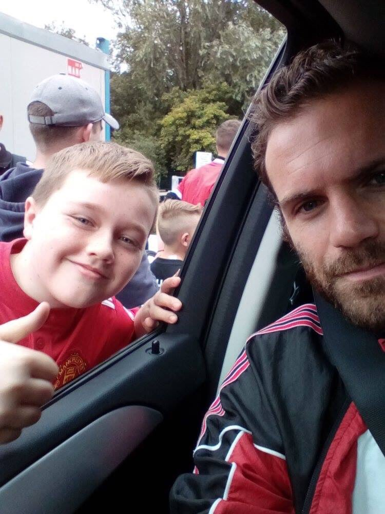 A true gentleman. He had time to stop twice for a selfie with my son. ❤️ @ManUtd #legend #juanmata #mata