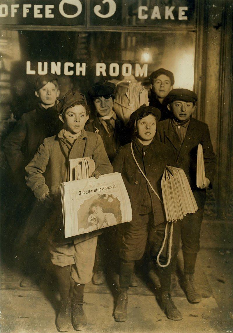 #OTD in 1899 United States of America Newsboys in New York go on strike against press giants Joseph Pulitzer and William Randolph Hearst. <br>http://pic.twitter.com/BNabHmUDRF