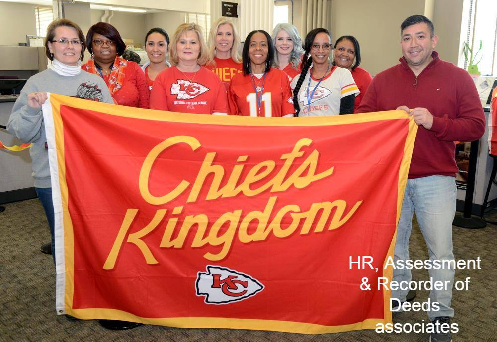 Happy #RedFriday from Jackson County Associates. Ready for a win @Chiefs Saturday. #LetsRoll  #ChiefsKingdom  #Chiefs<br>http://pic.twitter.com/Qya9lFEpW2