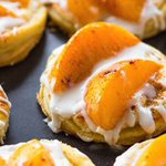 Image for the Tweet beginning: These Peaches and Cream Pastries