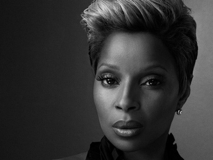 Happy 48th birthday to Mary J Blige.