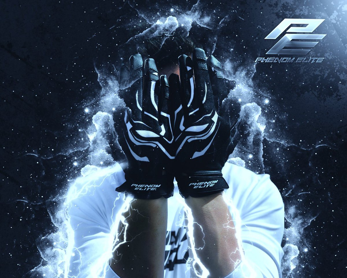 I have a few pair of Wakanda/Black Panther gloves i need to get rid of. So i will be picking three lucky winners by the end of today to give out a FREE pair!! Must Retweet and be following me, @PhenomElite, and  @EliteRawTalent ‼️