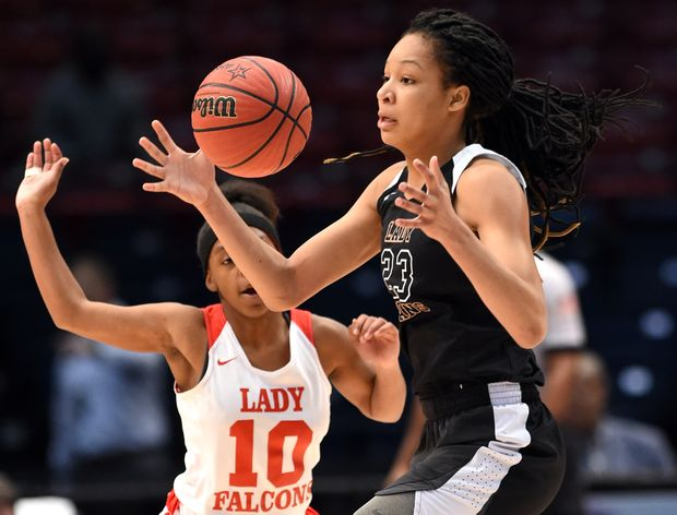 BREAKING: A judge has ruled in Maori Davenport's favor and she can play tonight https://t.co/eBiPCC4Rec